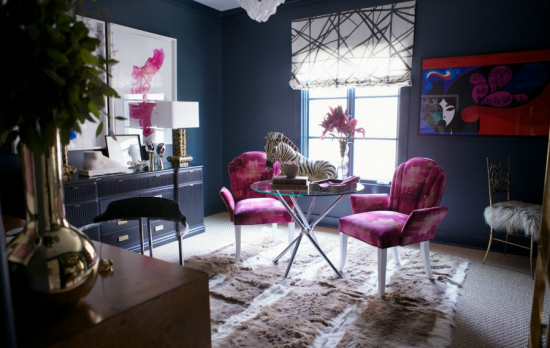 radiant-orchid-chairs-navy-walls
